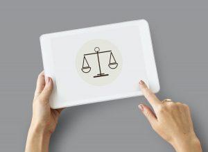 3 ideias de marketing para escritórios de advocacia que podem melhorar sua presença online rapidamenteb (Image by rawpixel.com)